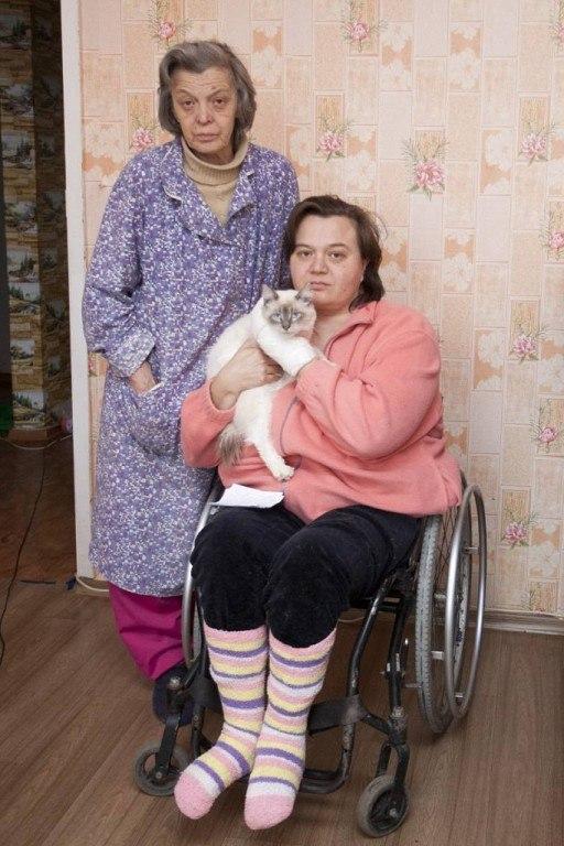 двух женщин инвалидов, (Матери инвалида и дочери инвалида колясочника Татьяны Ковалёвой